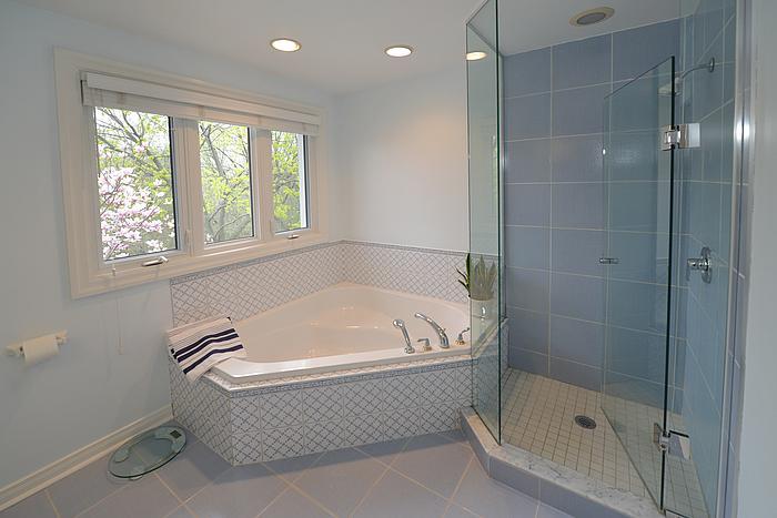 masterbathroom1_700.jpg