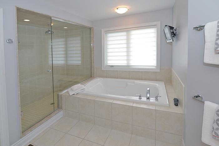 masterbathroom_700.jpg