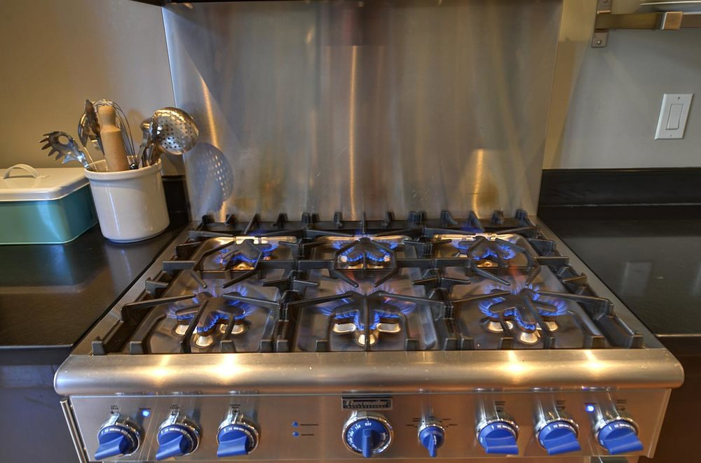kitchenstove_1200.jpg