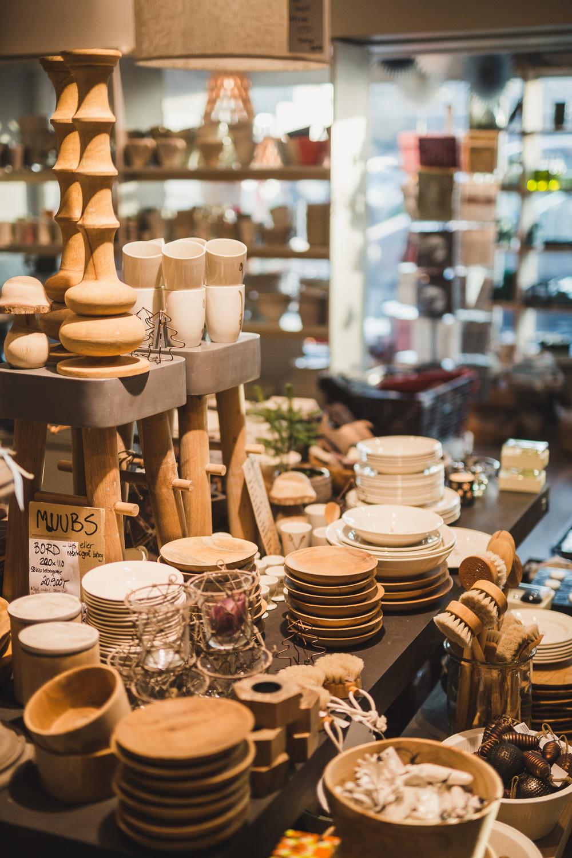 At home er en interiør- og klesbutikk på Lilleaker i Oslo. Vi fører merker som Marthe Frisnes, Fleischer Couture, Muubs, Birkenstock og AC Design.