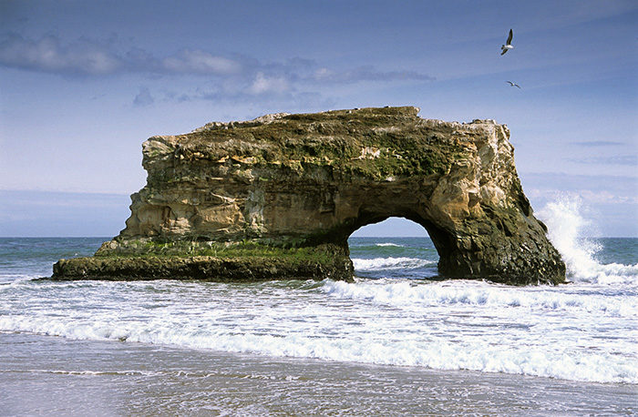 Natural Bridges / Photo by VSCC and Denis Jockmans