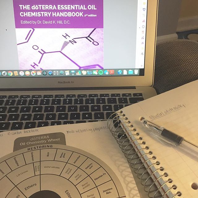 Spending my windy and frigid Sunday nerding out over chemistry. If you had told me this would be something I'd like to do on a Sunday five or so years ago I would have laughed in your face. I took Chem 101 in college just because I needed the science credit. Chemistry?!? Seriously? 😂 ⠀⠀⠀⠀⠀⠀⠀⠀⠀ Turns out the chemistry of essential oils is absolutely fascinating. 🌱 By learning the main chemical constituents in essential oils I will be better able to understand how to use them in various aspects of my life and health as well as make better recommendations for use to others. ⠀⠀⠀⠀⠀⠀⠀⠀⠀ Like I said, suuuuper nerdy. 🤓 But I love it. Learning about nutrition and other aspects of health and wellness (like essential oils), and then teaching them to others, are what light me up. It's what I want to do with my life. Took me a while to figure this out, but I'm glad I finally did. ⠀⠀⠀⠀⠀⠀⠀⠀⠀ Tell me, what lights you up inside? What would you gladly devote a Sunday to just because you want to, not because you have to? ✨