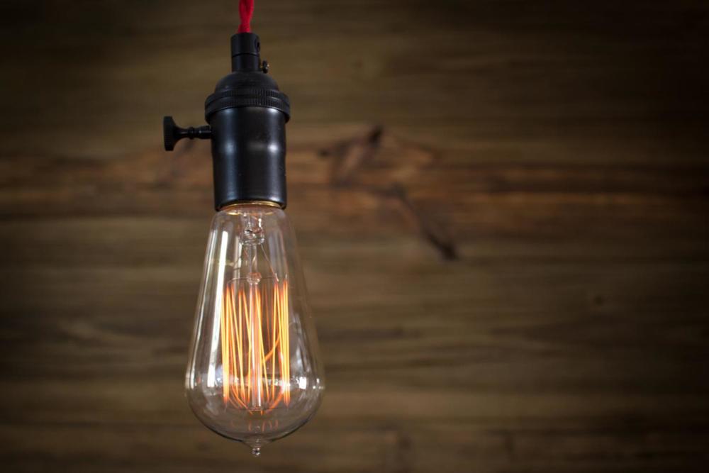 Edison Bulb 1.jpg