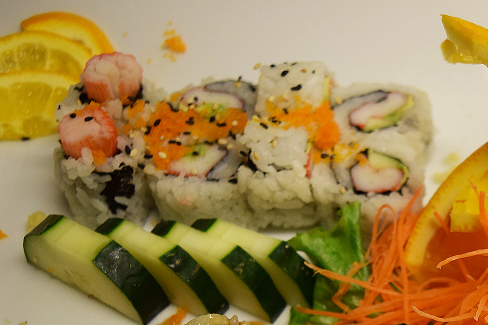 california roll.jpg