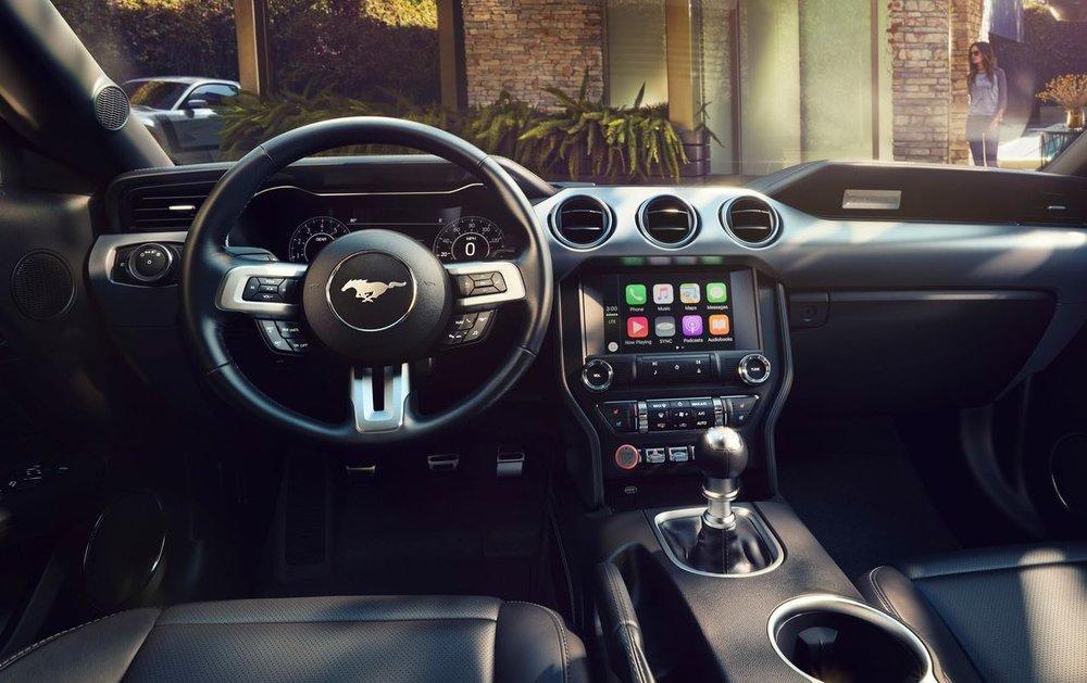 Mustang_interior_1.JPG