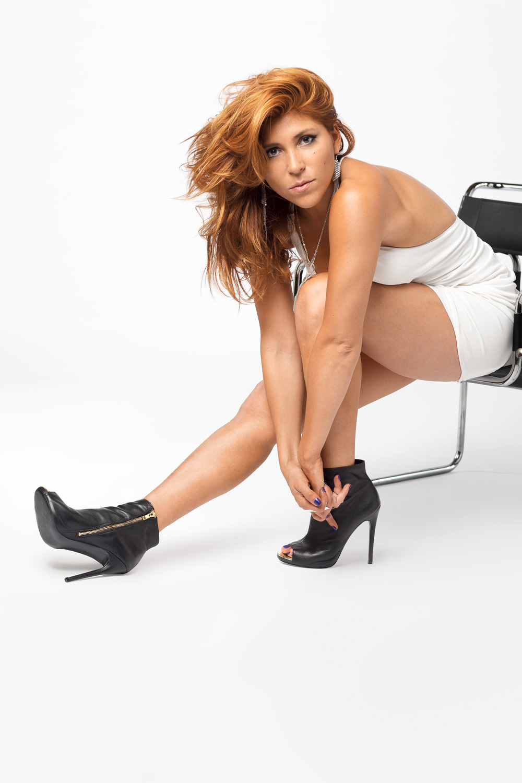 SOMA_I-Pose_Brigitte_Bardot.jpg