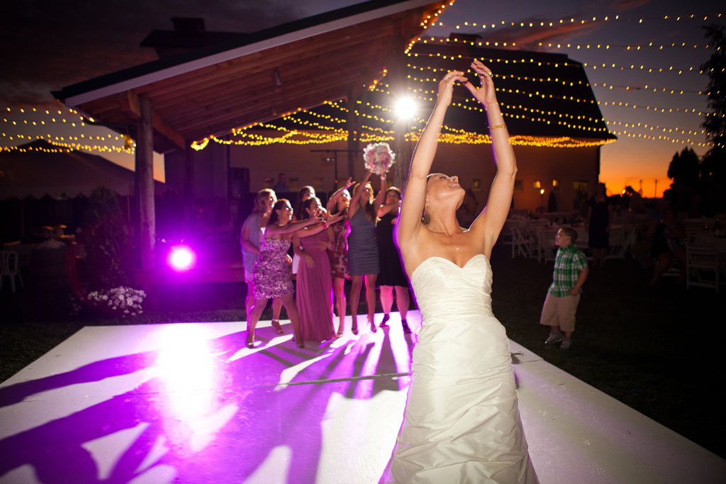 Bouquet Toss at Heiser Farms
