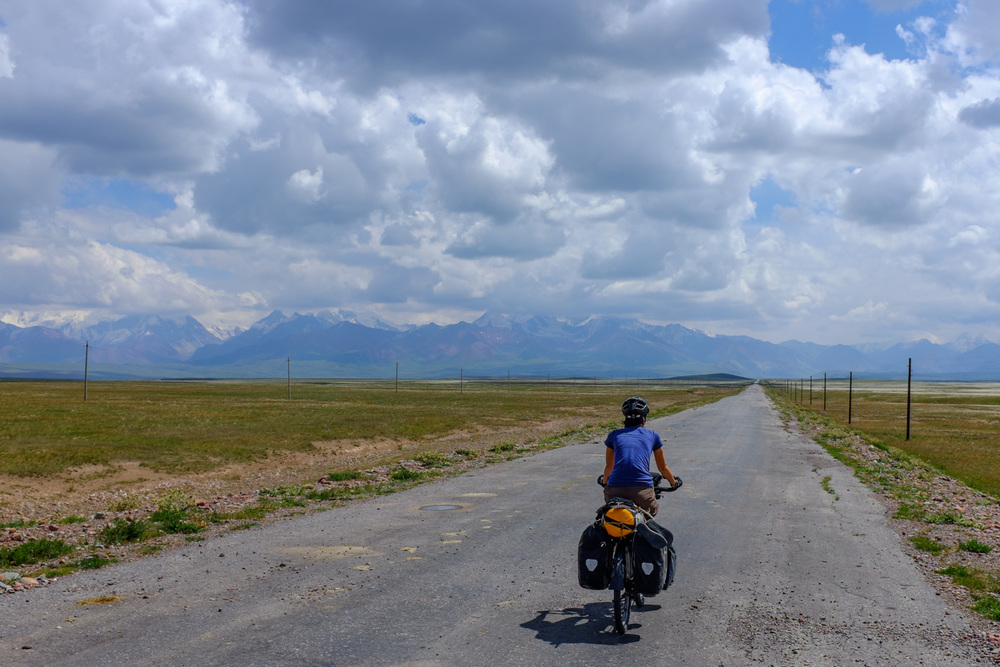 Riding across the Alay valley to the Pamir mountains