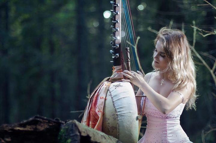 Geelia Laanpuu Lääne-Aafrika harfi (Koraga)