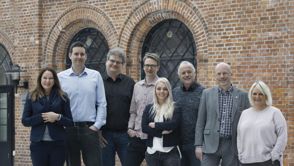 Fagrådet til LHL hjerneslag.Vi er fra venstre: Jeg (brukerrepresentant);Lars Alterheid (overlege ved slagavdelingen Ullevål Sykehus); Frank Becker (klinikkoverlege ved Sunnaas Sykehus); Torgeir Solberg Mathisen (slagsykepleier i LHL); Iselin Løvhøiden (spesialfysioterapeut i LHL);Kjell Engang (logoped); Tommy Skar (generalsekretær i LHL); og Hilde Marie Nilsen (sykepleier og pårørende). Foto: Anders Bergersen.