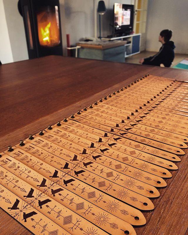 "I'm ""crafting"" Hugin & Munin bracelets while the kid is Minecrafting 🤓🤓 #huginnandmuninn #travel #madeinnorway #bracelet #typography #mystic #nordisen #norsemythology #yggdrasil  #oslo #norway #photography #photoshoot #occult #scandinaviandesign #norwegianmade #illustration #graphicdesign #darkart #startup #viking #vikings #lineart"