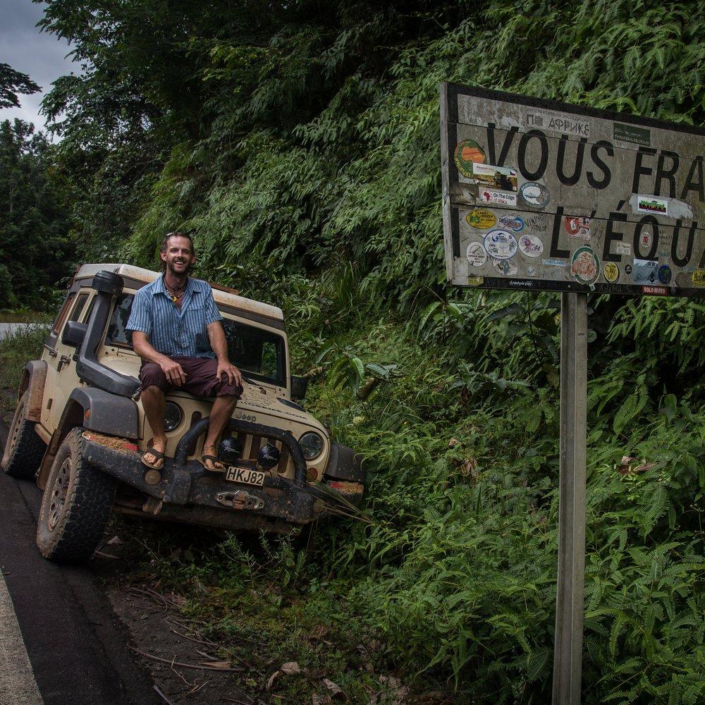 gabon-equator-dan-jeep.jpg