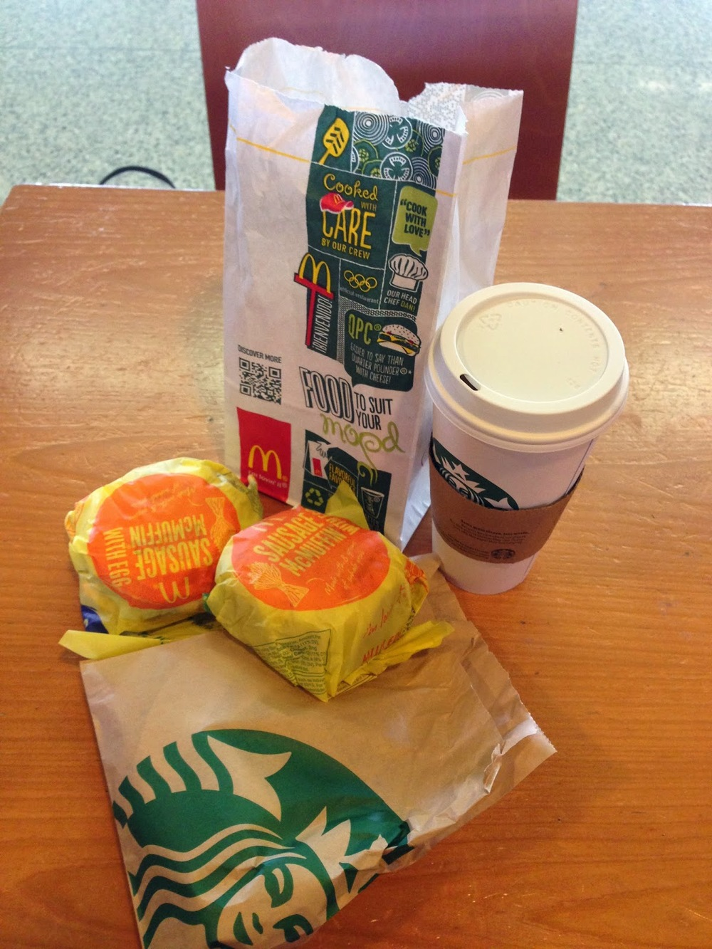 Our breakfast in the Chicago airport. Welcome to America!