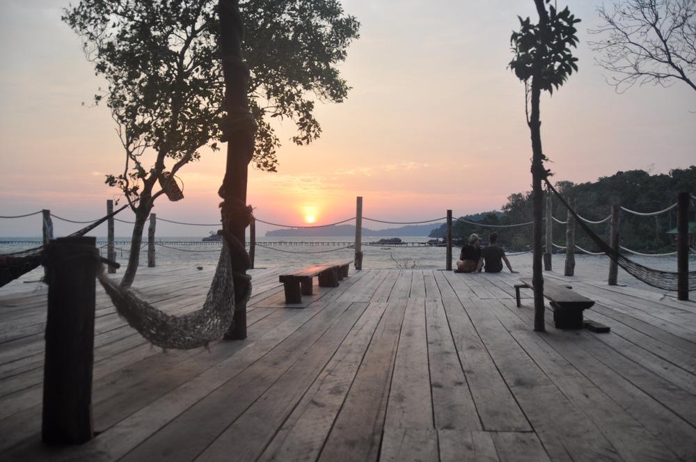 Mad Monkey Koh Rong Samloem Sunrise Deck