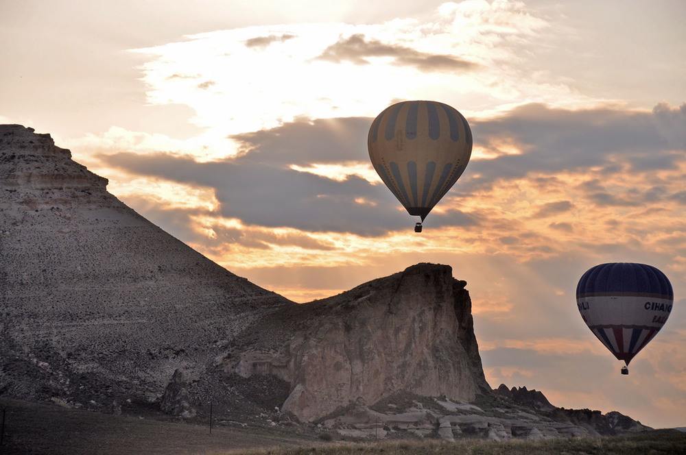 Hot Air Balloon Ride in Cappadocia Turkey with Turkiye Balloons