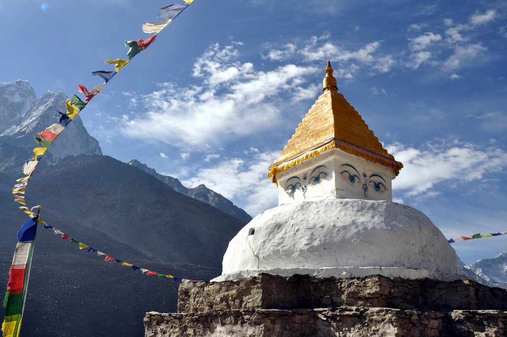 Dingboche pagoda Perfect Everest Base Camp Trekking Itinerary