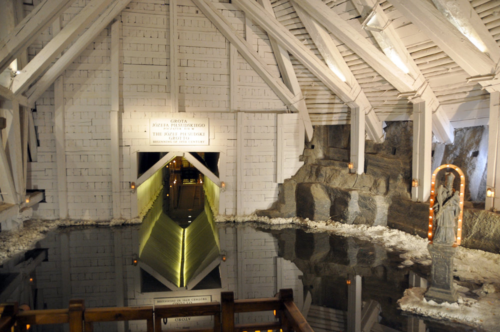 Poland Travel guide Wieliczka Salt Mine Tunnels