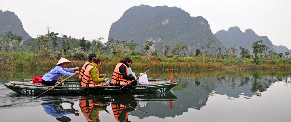 Vietnam Travel Guide: Tam Coc Boat