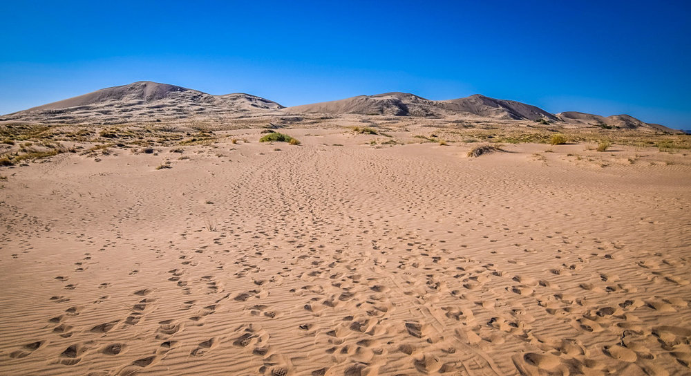 Best Desert Hikes in California: Kelso Dunes Trail Credit: We Who Roam