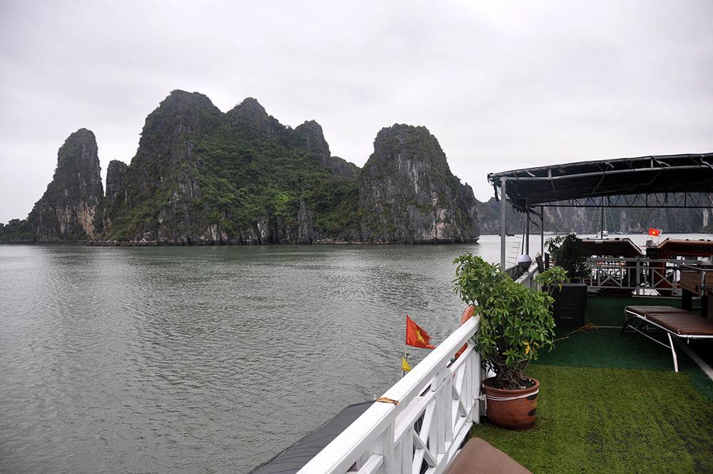 Boat Cruise Ha Long Bay Vietnam Itinerary