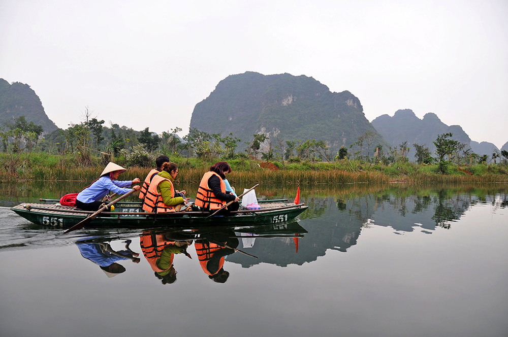 Trang An Boat Tour Vietnam Itinerary