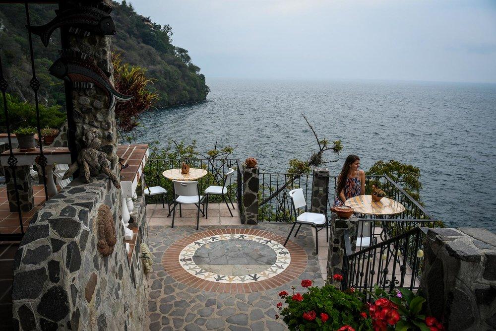 Things to Do in Lake Atitlan: La Casa del Mundo