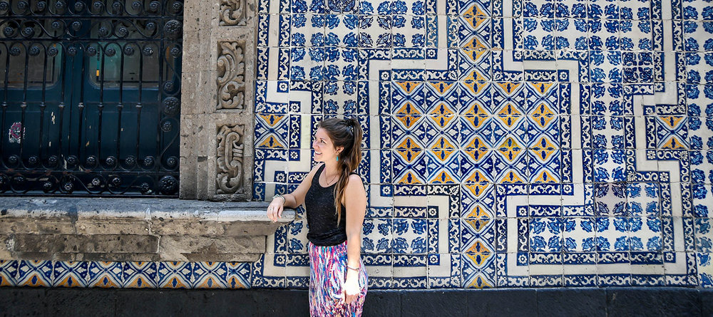 Mexico Travel Guide: Blue Tile Wall Mexico City