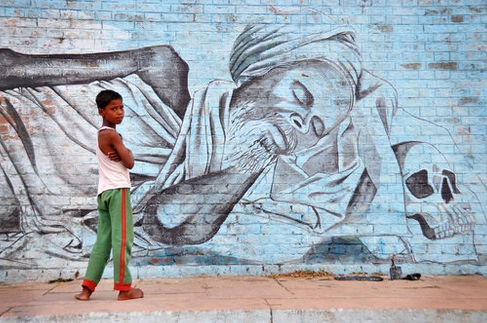 Boy+and+Mural.jpg