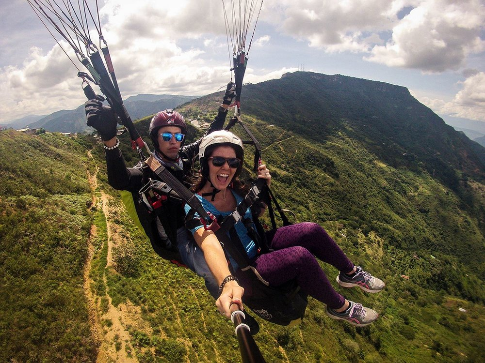 Sustainable Travel Colombia paragliding