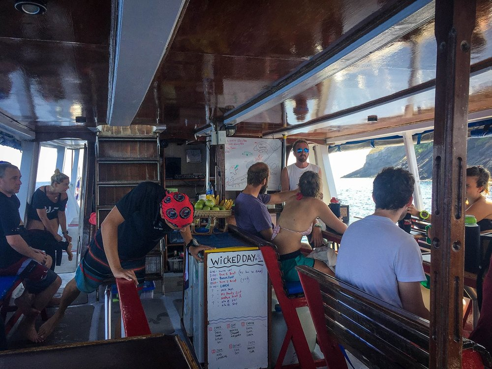 Similan Islands Liveaboard Wicked Diving Thailand Dive Meeting
