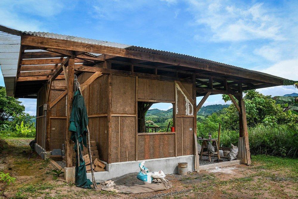 Rancho Mastatal Sustainable Lodge Natural Building