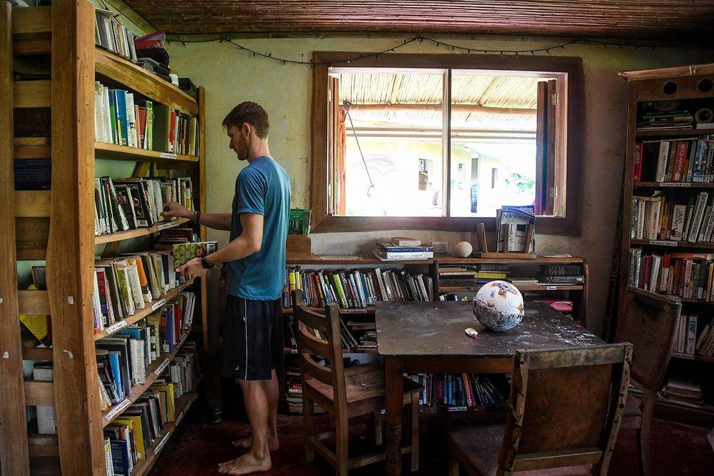 Rancho Mastatal Sustainable Lodge Library