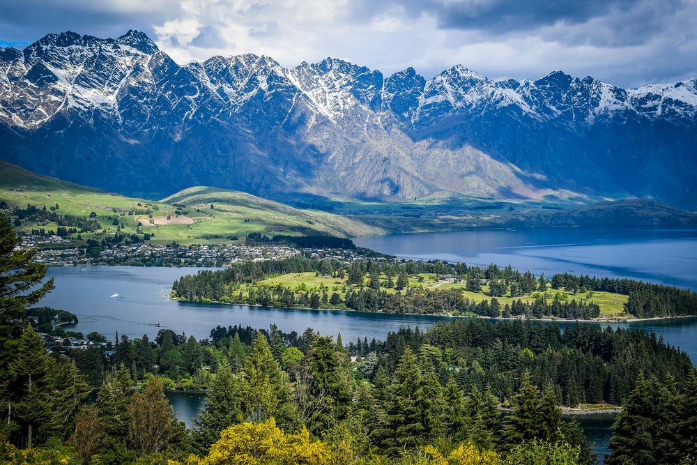 South Island New Zealand Itinerary Road Trip Queenstown Viewpoint