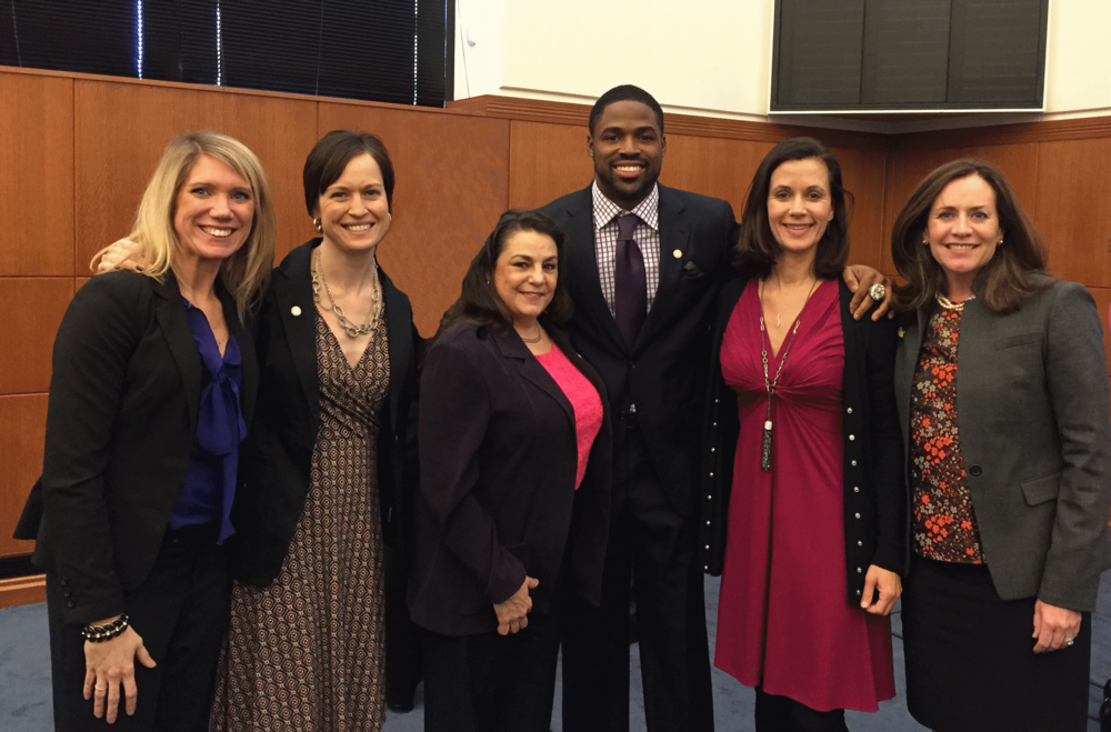 Council members: Registered Dietitian Nutritionists (RDNs) Heidi Hertz, Andrea Early, Catherine Digilio Grimes, and Nancy Farrell with Baltimore Ravens Torrey Smith, and First Lady Dorothy McAuliffe