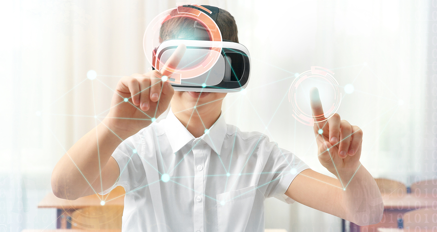 Researchers from the University of Maryland explored whether the use of virtual spaces, through VR headsets, allows better recall of information than when using a computer screen. - Photo: bigstock.com