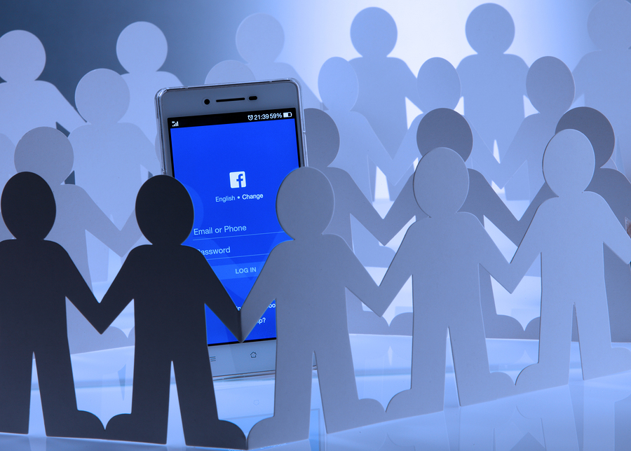 With this new feature, Facebook group administrators of professional and personal development groups will have the possibility to create mentoring networks. - Image: Bigstock