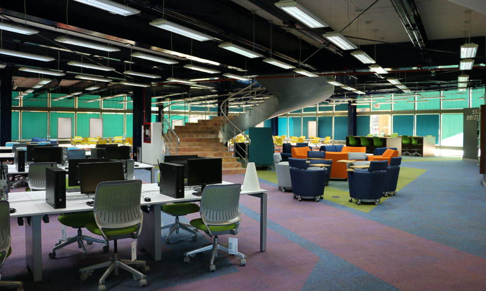 Libraries have stopped being merely archives to become places where knowledge takes meaning. - Photo: Plano Informativo