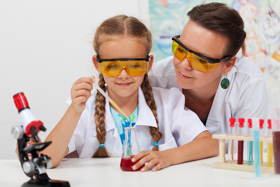 According to Microsoft, only 60 % of girls understand the importance of STEM subjects in their personal and professional goals. The company points to the lack of mentors and role models as a big culprit. - Photo: Bigstock
