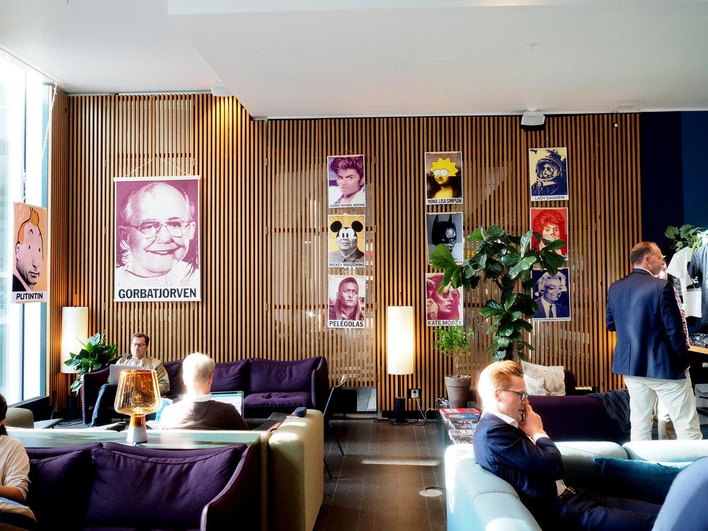 ART EXHIBITION SCANDIC CONTINENTAL HOTEL   BUFFALO BILL GATES 2018   >FEATURED IN DIGITAL ARTS MAG<