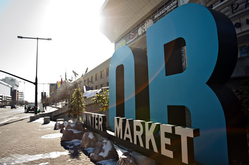 Biz_ORwintermarket_011812_7.jpg