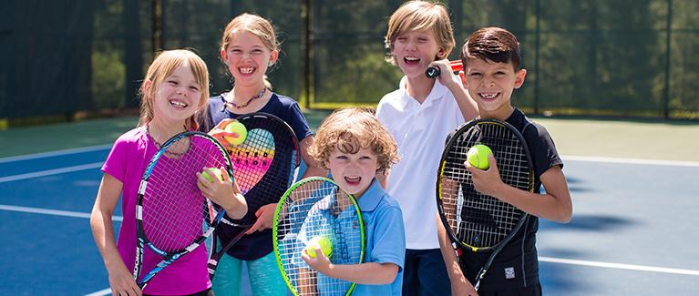 Tennis_kidsgroupsmile_767.jpg