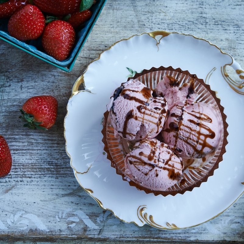STRAWBERRY WITH BALSAMIC & WHITE PEPPER