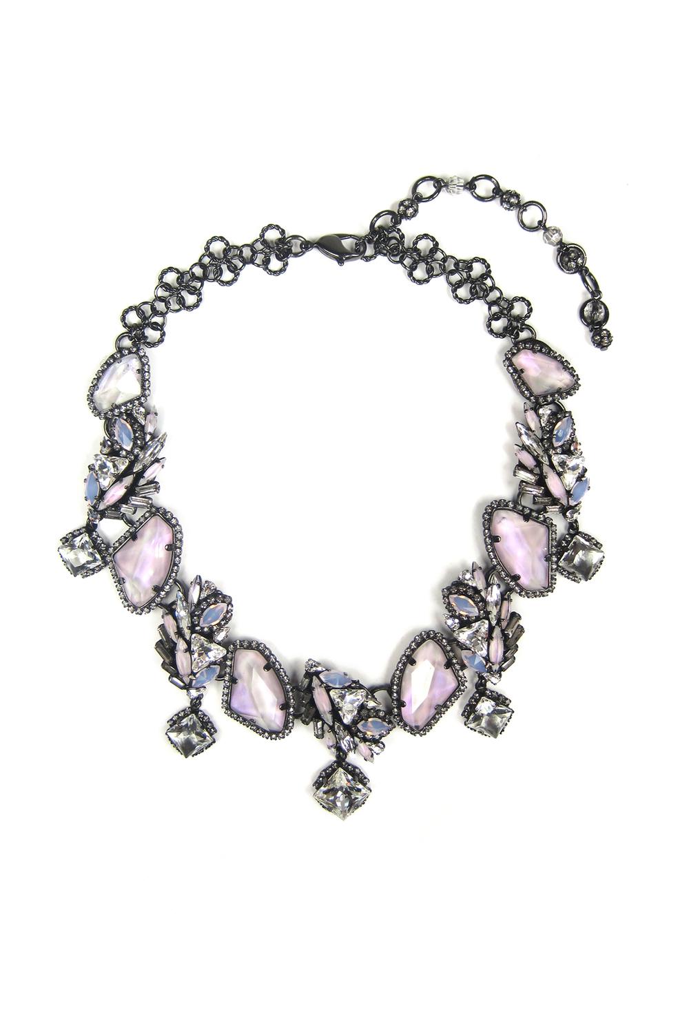 01-08-accessories-trends-fall-2015-estate-jewelry.jpg