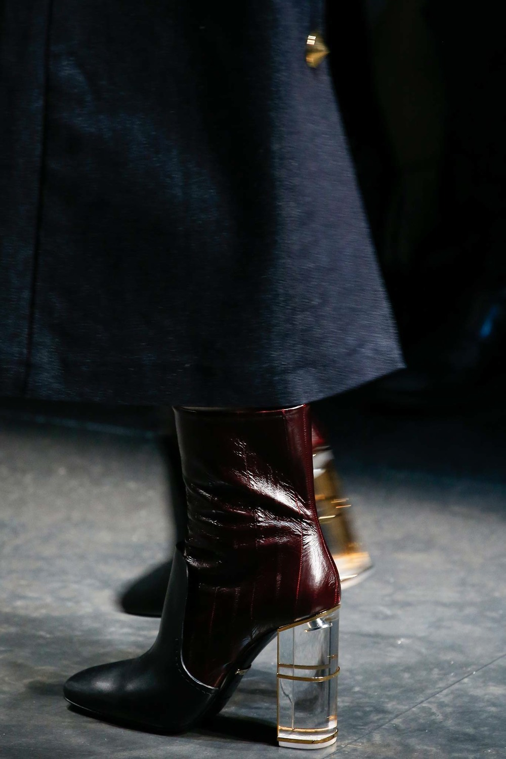04-02-accessories-trends-fall-2015-lucite-heel.jpg