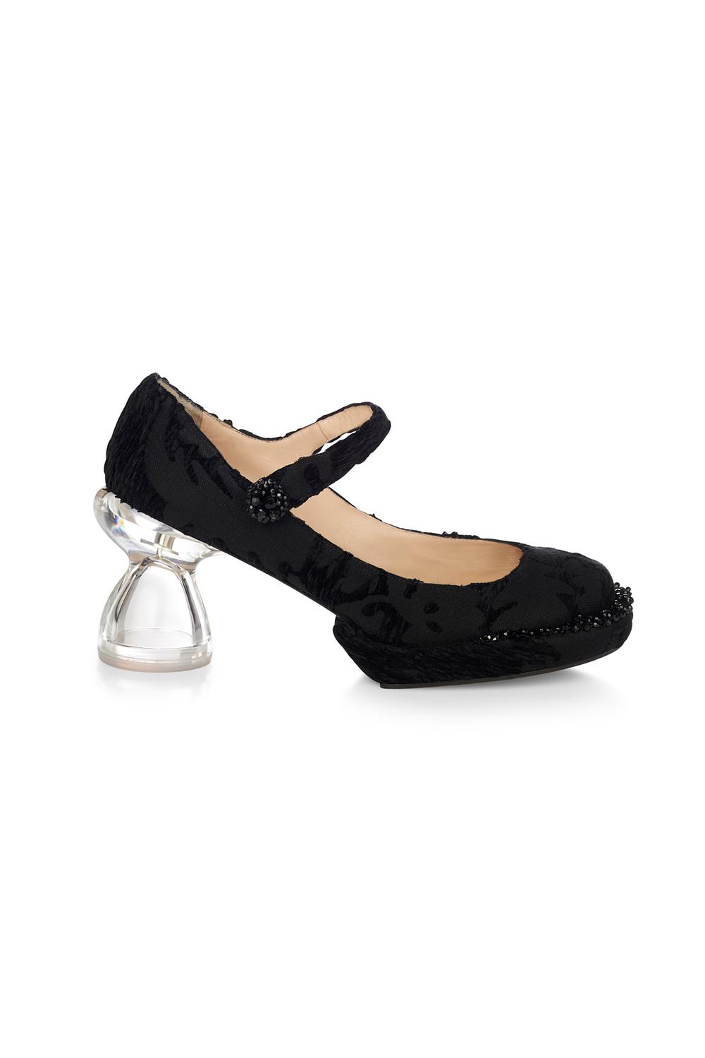 04-05-accessories-trends-fall-2015-lucite-heel.jpg