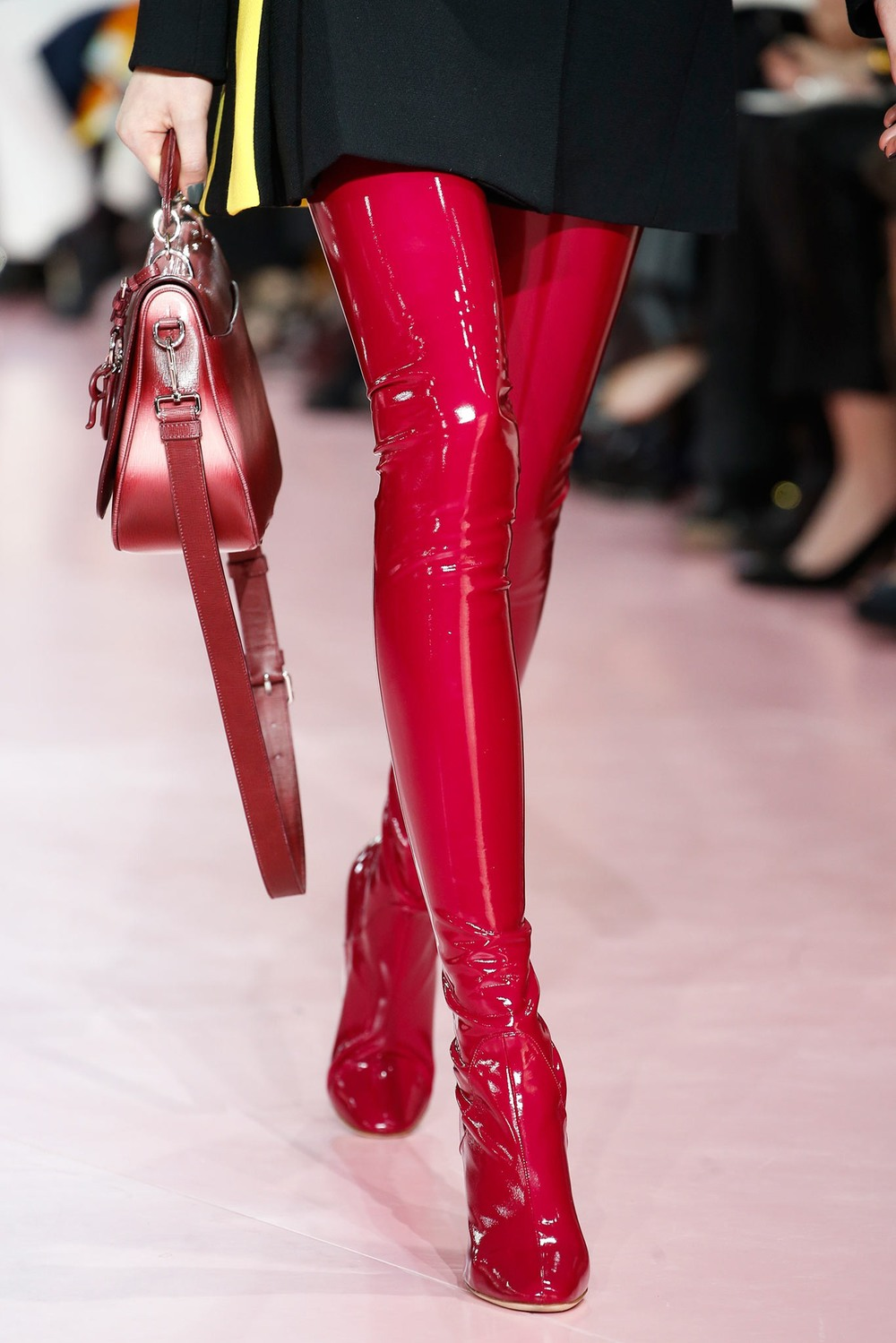 06-00-accessories-trends-fall-2015-thigh-high-boots.jpg