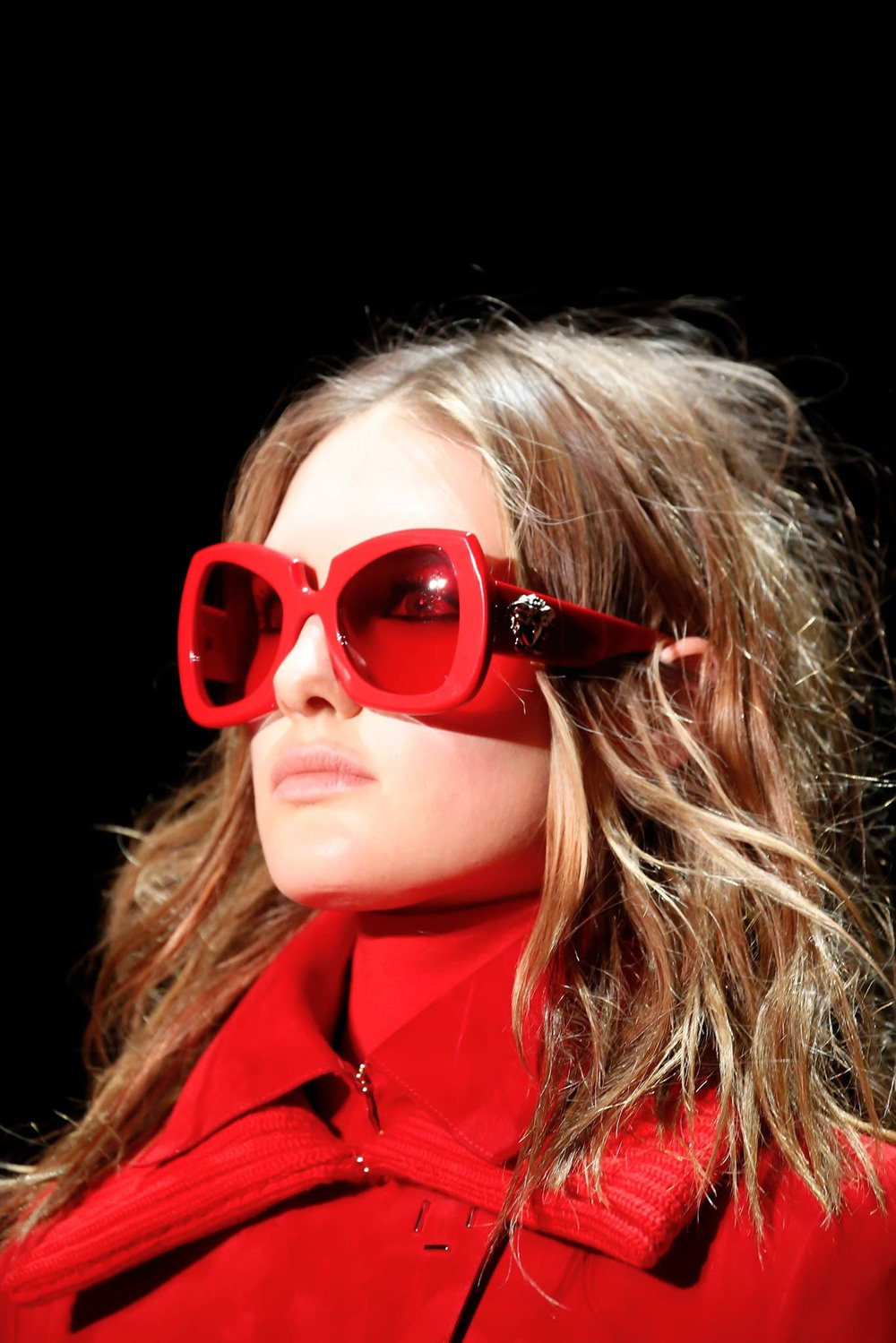 09-01-accessories-trends-fall-2015-red.jpg