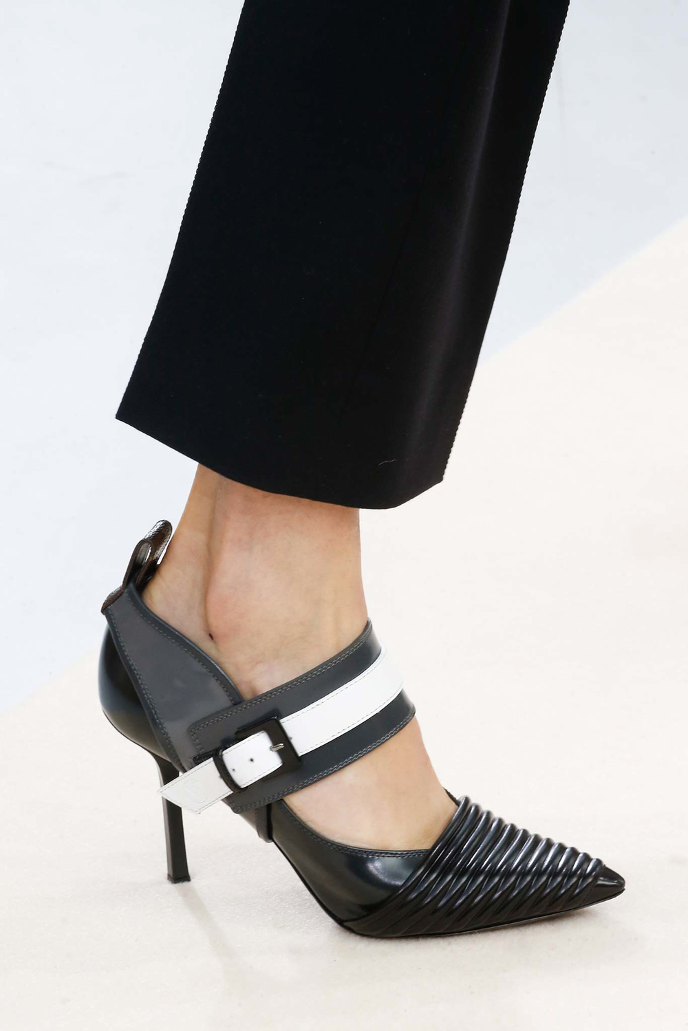10-01-accessories-trends-fall-2015-mary-janes.jpg