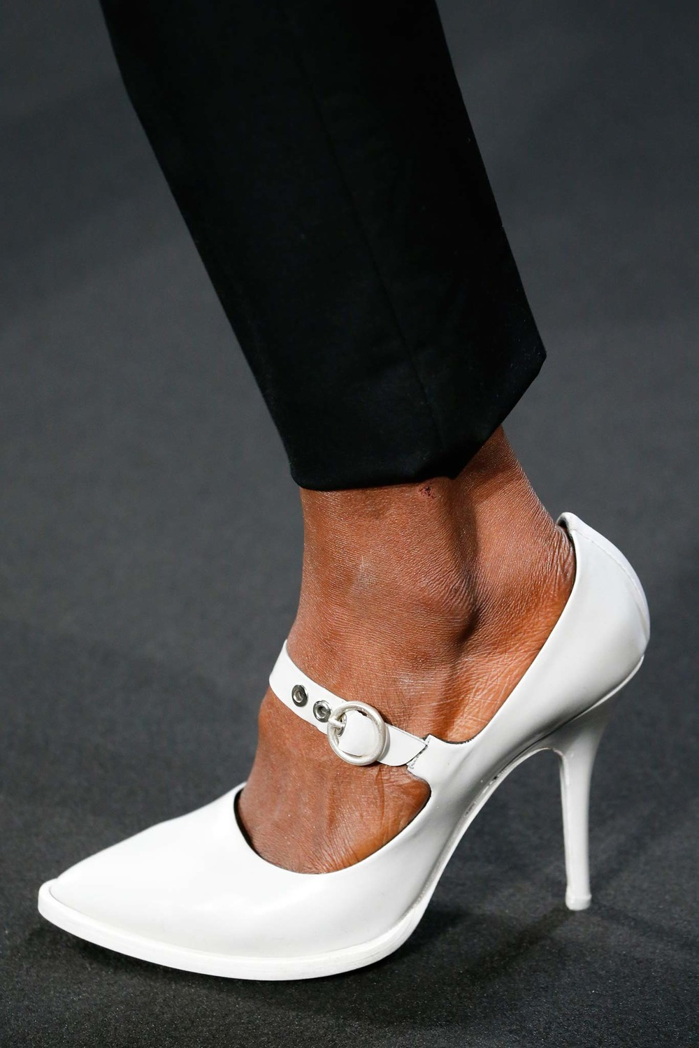 10-04-accessories-trends-fall-2015-mary-janes.jpg