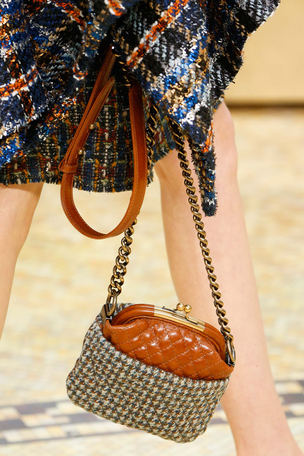 16-best-runway-accessories-fall-2015-chanel.jpg